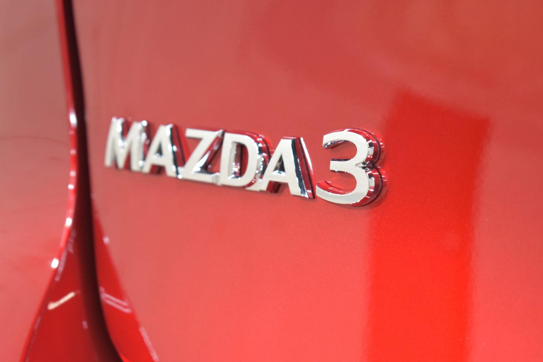 マツダ3-9