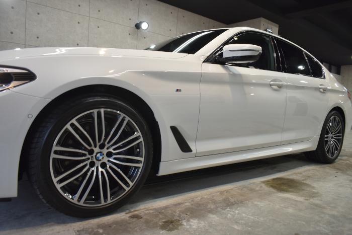BMW530i-4