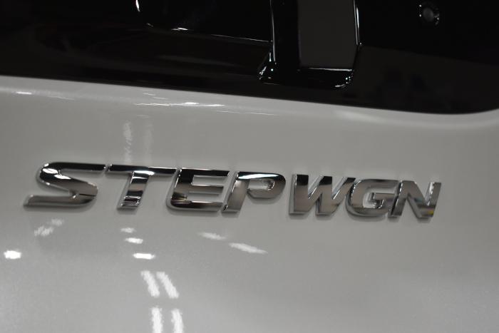 ステップワゴン-9